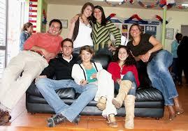 vista de viernes one big happy family ecela