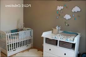 chambre bébé taupe et blanc deco chambre bebe gara c2 a7on taupe et bleu idées de design