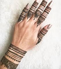 pretty henna on fingers henna hennas finger and