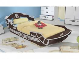 chambre bateau pirate lit lit pirate formidable deco pirate chambre garcon 3 lit
