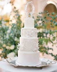 wedding cake kate middleton 13 reasons we re dreaming of a white winter wedding cake martha
