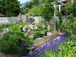 Ideen Aus Holz Fur Den Garten Cottage Garden Eine Der Beliebtesten Gartenformen Freshouse