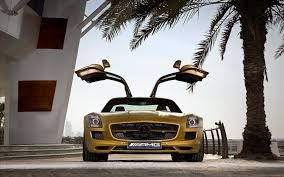 mercedes sls wallpaper 2010 mercedes benz sls amg desert gold 2 wallpapers hd wallpapers