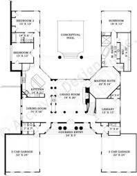 villa de saye ranch house plan courtyard house plan