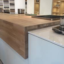 plan de travail cuisine chene massif plan de travail en bois massif chêne cérusé de chez leicht