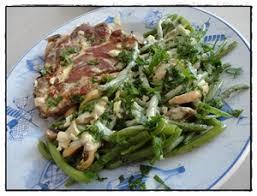 cuisiner des haricots verts frais côtes de porc au chaource et haricots verts frais recette iterroir