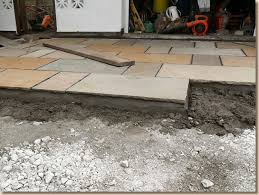 Laying Patio Slabs Pavingexpert Flagstones For Driveways