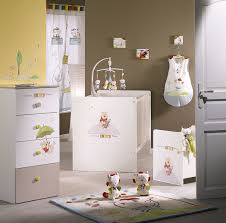 décoration winnie l ourson chambre de bébé sauthon on line winnie discovery lit galerie avec chambre bébé