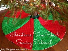 Quilted Christmas Tree Skirts To Make - patchwork christmas tree skirt tutorial christmas sewing craft