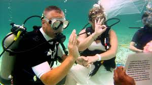 underwater wedding jim s underwater wedding grand bahama island the bahamas