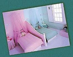 Shared Little Girls Bedroom Love It Because Each Of Them Has - Boy girl shared bedroom ideas