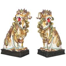 pictures of foo dogs italian majolica regency foo dogs pair nyshowplace