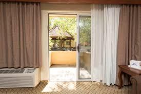 gallery days inn and suites omaha ne