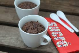 comment cuisiner un gateau au chocolat le fameux mug cake au chocolat ou comment se remonter le moral quand