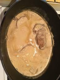 oignon blanc cuisine rôti de porc en cocotte à la moutarde recette oignon blanc