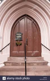main entrance wooden front door french huguenot church 136