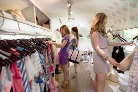 fashion boutique designer fashions clothing franchises traveling chic boutique