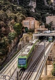 treno cremagliera treno a montserrat in spagna â foto editoriale stock â cornfield