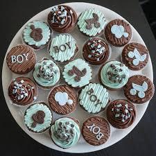 en un baby shower los cupcake no pueden faltar cupcake