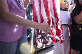 Is Flag Burning Protected By The First Amendment Flag Burning At Rnc Ends In Arrest U2013 Youthwire U2013 Medium