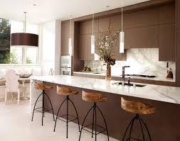 Kitchen Design Contemporary by Cozinha Moderna Com Um Toque Rústico Trazido Pelas Banquetas