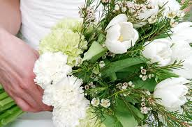 wedding flowers cheap cheap white flowers for a wedding the wedding specialiststhe