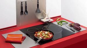 nettoyer sa cuisine 5 astuces de grand mère pour nettoyer sa plaque de cuisson