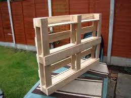 Build Wooden Bookcase by How To Build Bookshelf From Pallets Youtube