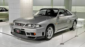 Nissan Gtr Old - why car enthusiasts love old cars