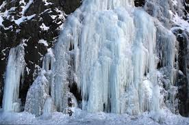 Alaska waterfalls images You 39 ll be amazed by these picturesque waterfalls that have frozen jpg