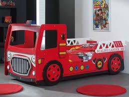 decoration chambre pompier beau chambre enfant pompier ravizh com lit superpose camion but