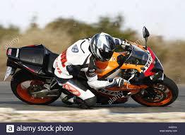 honda cbr fireblade motorcycle honda cbr fireblade bend race track 1000th