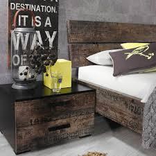 schlafzimmer vintage schlafzimmer in schwarz vintage optik braun schwebetürenschrank