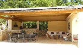 cuisine d exterieure villa de charme avec piscine jaccuzzi et magnifique auvent de 50m2