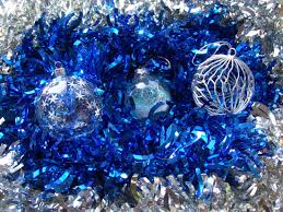 blue and silver tree decorations resume format