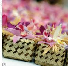hawaiian themed wedding favors 58 best wedding gifts favors ideas images on couples