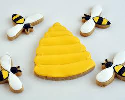 beki cook u0027s cake blog baby shower bee hive cookies