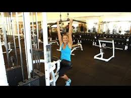 3 ways to work your back and arms with the lat pull machine