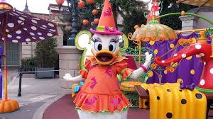 daisy duck halloween meet and greet at disneyland paris 2016 le