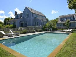 Homes With Detached Guest House For Sale by 5 Luxury Homes For Sale With Ultra Tempting Pools