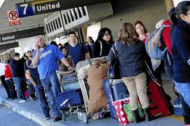 airlines lower fares to offset bag fees but still make a profit