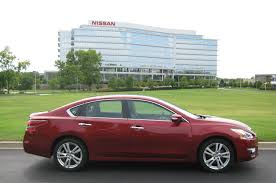 nissan altima 2013 touch screen 2013 nissan altima 3 5 sl four seasons update september 2013