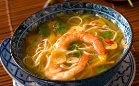 comment cuisiner des nouilles chinoises soupe de crevettes et nouilles chinoises recette de soupe de