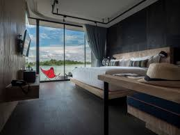 Friday Floatwing by Houseboats Take Comfortable Living To The Open Waters