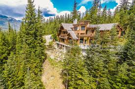 9 must see canadian vacation homes eieihome