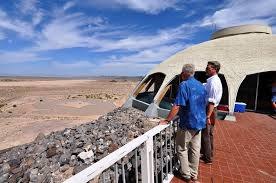 huell howser volcano house the volcano house of newberry springs amusing planet