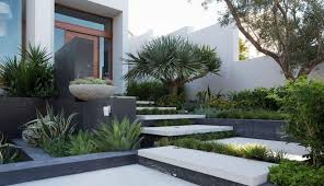 modern front yard landscaping 80 fascinating modern contemporary front yard landscaping amzhouse com