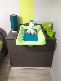 chambre bebe altea découvrez la chambre bébé complète altéa taupe en bois et plexi