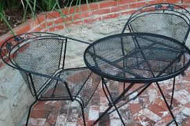 Best Way To Paint Metal Patio Furniture Painting Metal Outdoor Furniture Techniques Hunker