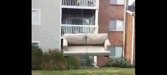 déménager un canapé le déménagement astucieux d un canapé mega buzz